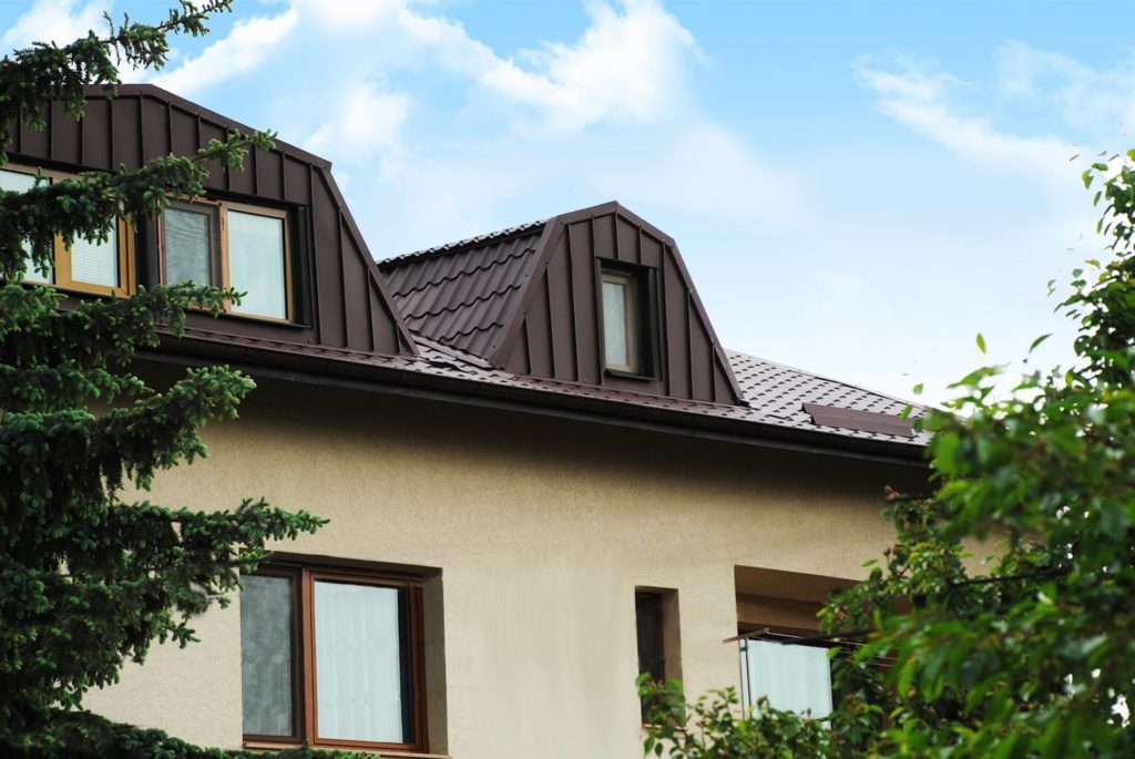 Ремонт на покриви с метални керемиди